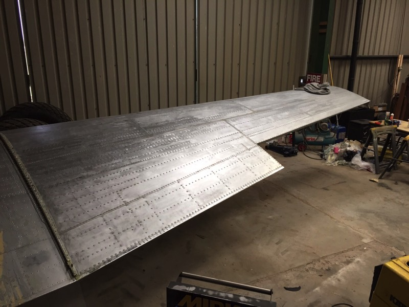 16/06/2015 - The wing has been completely stripped and sanded…